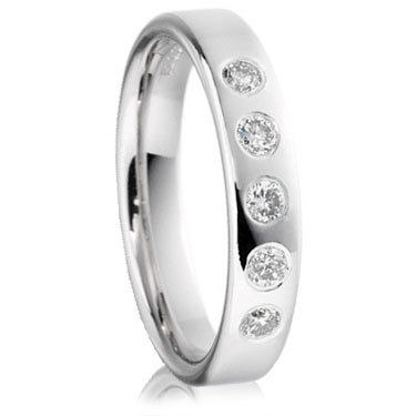 Brilliant Cut DIamond Wedding Ring