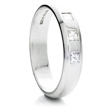 Princess Cut Diamond D-Shape Ring