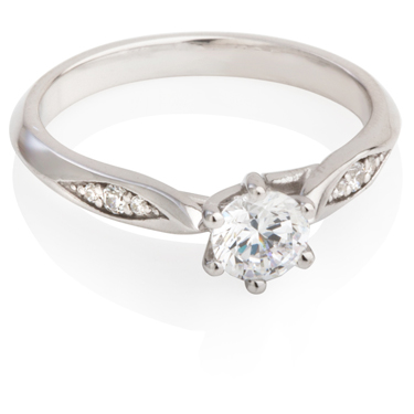 Solitaire Diamond Engagement Ring With Diamond Set Shoulders