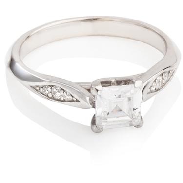 Princess Cut Diamond Solitaire with Diamond Set Shoulders