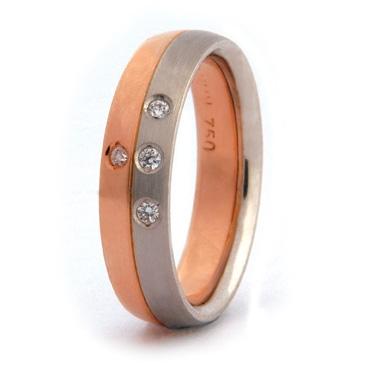 Two Colour Brilliant Cut Diamond Ring
