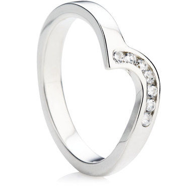 7 Diamonds Set in a Shaped Wedding Ring