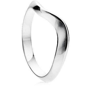 Fluid Curve Shaped Wedding Ring