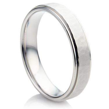 Stylish raised and Hammered Wedding Ring Set