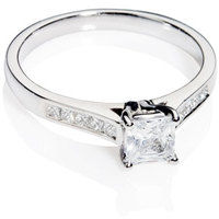 Princess Cut Diamond Solitaire Engagement Ring.