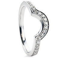 Brilliant Cut Diamond shaped Wedding Ring