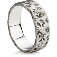 Flat Ring in a Hammered Design