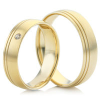 Wedding Ring Set with Dual Off Centred Grooves