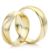 18ct Yellow Gold Decorative Wedding Ring Set