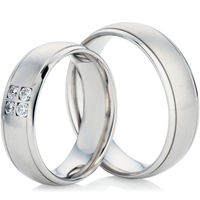 18ct White Gold Decorative Wedding Ring Set