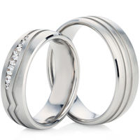 Wedding Ring Set with Two Grooves