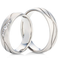 Wedding Ring Set with Two Grooves in White Gold