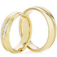 Decorative Yellow Gold Wedding Ring Set