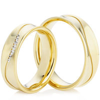 Yellow Gold Concave Wedding Ring Set with Wavy Groove