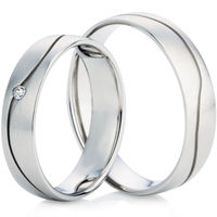 White Gold Decorative Wedding Ring Set